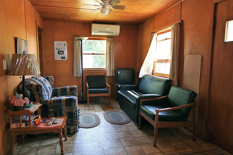 Stemac's Bay View Cabins