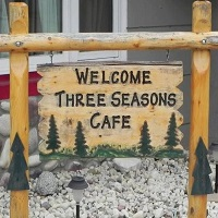 Three Season's Cafe