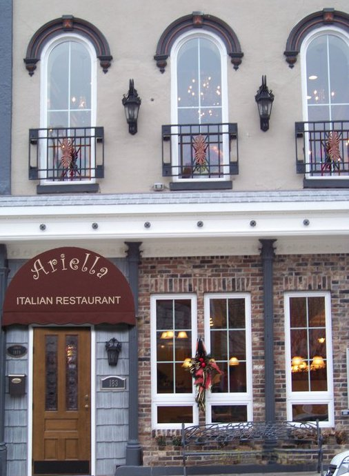 Ariella's Italian Restaurant, Bistro & Bar